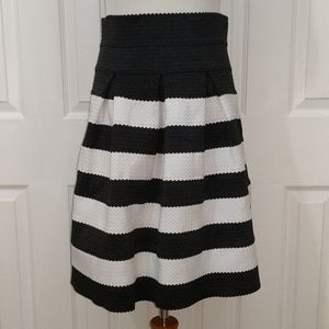 Ann Taylor black and white striped skirt size 6